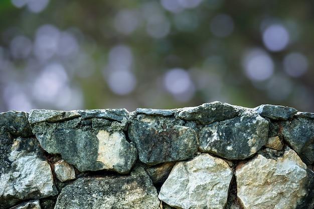 Oberfläche des steins, der den bereich verlassen hat, um objekte zu platzieren