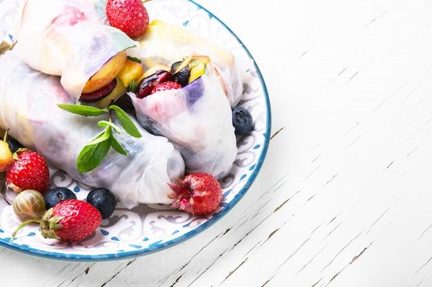 Obst frühlingsrollen