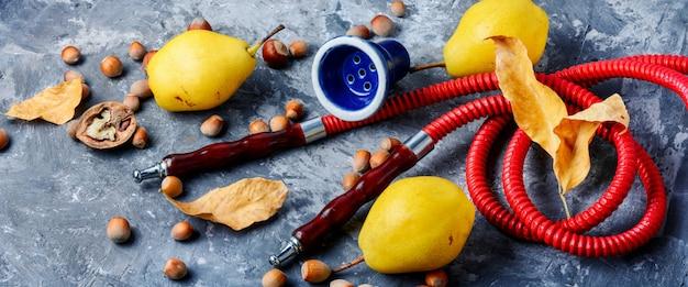 Obst mit wasserpfeife