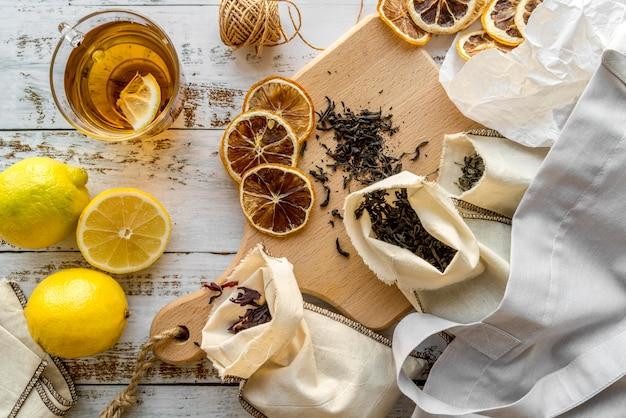 Obst und kräuter zum tee