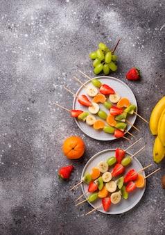 Obstspieße, gesunder sommersnack