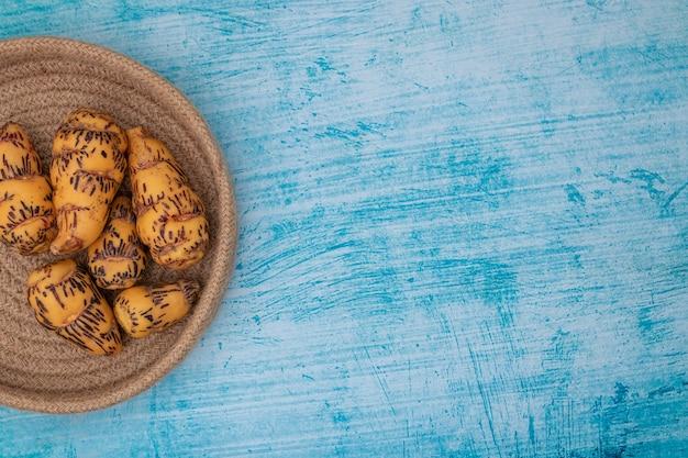 Oca, knolle, die in der peruanischen küche und den amerikanischen anden verwendet wird