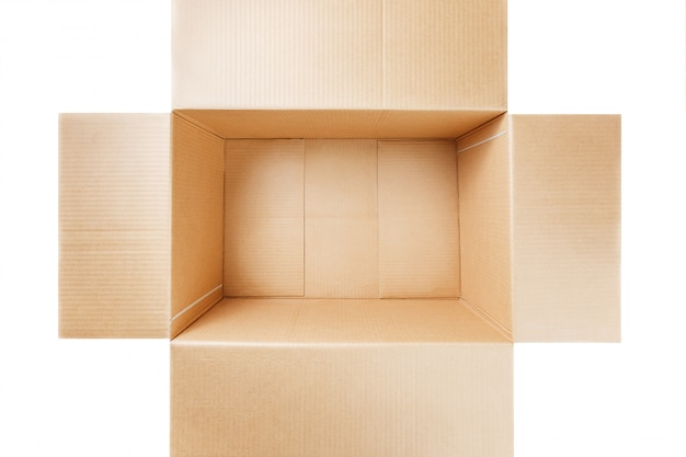 Öffnen sie die pappschachtel, die auf weiß lokalisiert wird. ansicht von oben.