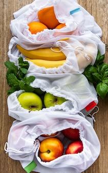 Öko-taschen mit früchten