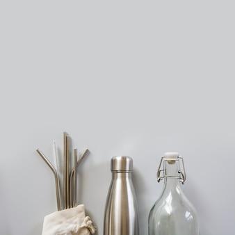 Ökologische trinkhalme und flaschen