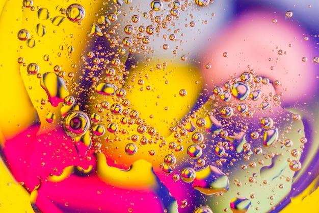 Öl auf wasser