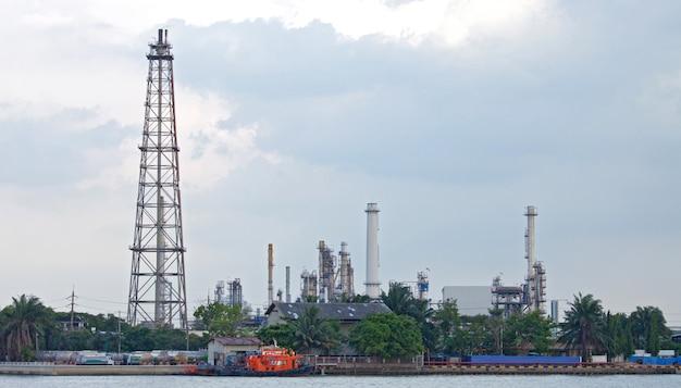 Öl-destillationsturm