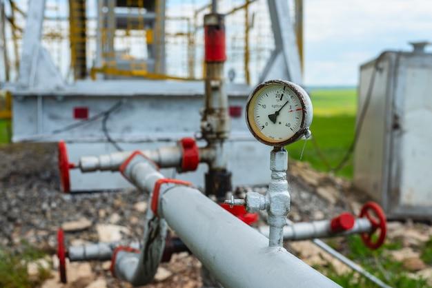 Öl- oder erdgasdrucksensor an der ölpumpe