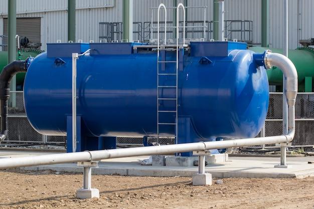 Ölfässer blau oder chemiefässer horizontal