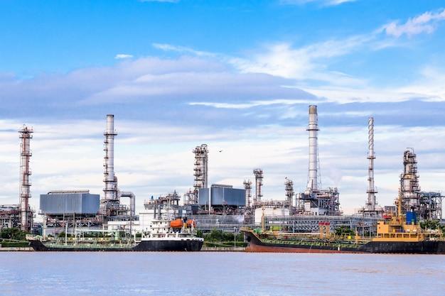 Ölindustrie raffinerie fabrik