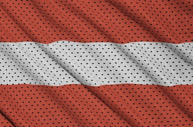 Österreich-flagge auf einem sportswear-netzgewebe aus polyester-nylon gedruckt