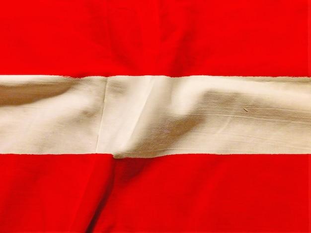 Österreich flagge mit textur auf hintergrund