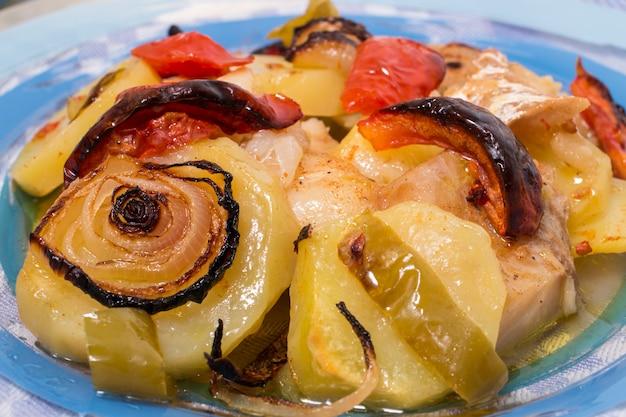 Ofenfisch mit kartoffelmehl