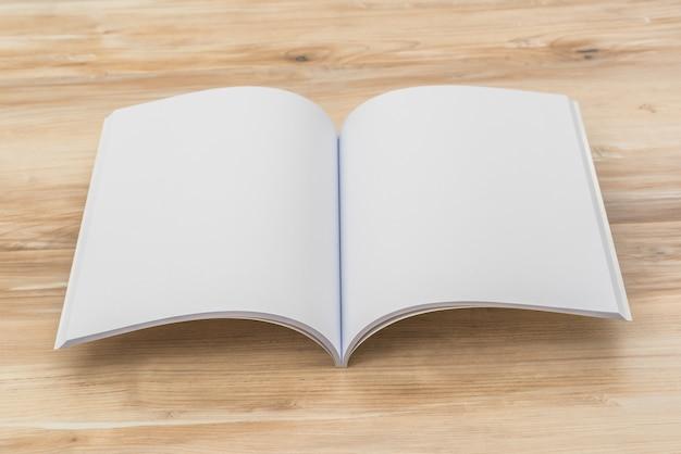 Offene broschüre