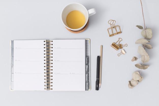 Office-desktop mit einem notebook