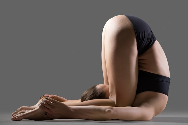 Ohrdruck yoga pose