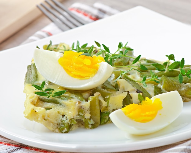 Omelett mit grüner bohne