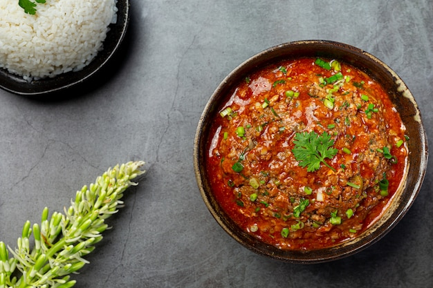 Ong chili auf einer tafel