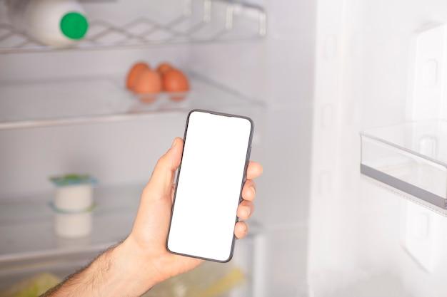 Online-app für die zustellung von lebensmitteln in einem mobiltelefon lebensmittelmarktservice auf dem smartphone