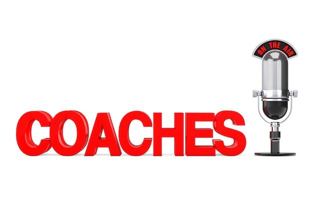 Online-bildungskonzept. red coaches-schild mit mikrofon und on the air-schild auf weißem hintergrund. 3d-rendering