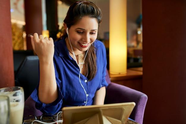 Online-kommunikation auf tablet-pc