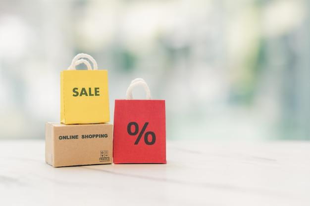 Online-shopping mit einem lieferservice für einkaufstaschen