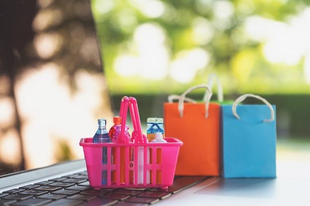 Online-shopping oder e-commerce-lieferservice-konzept