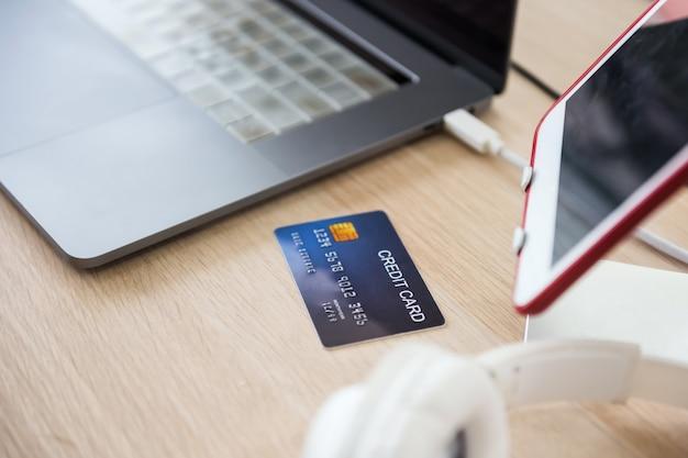 Online-shopping per kreditkarte