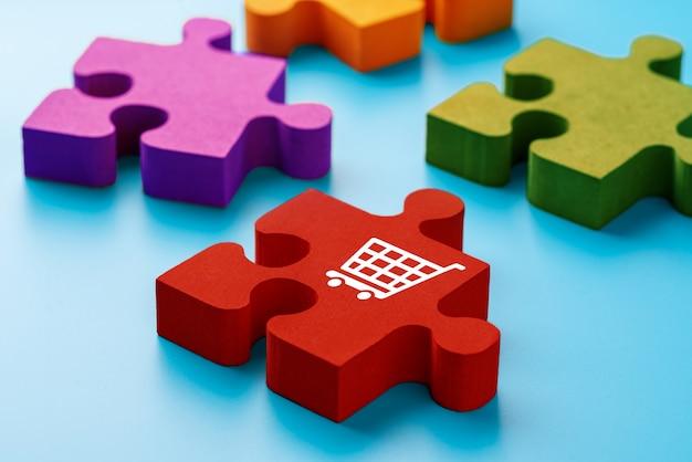 Online-shopping-symbol auf bunten puzzlen