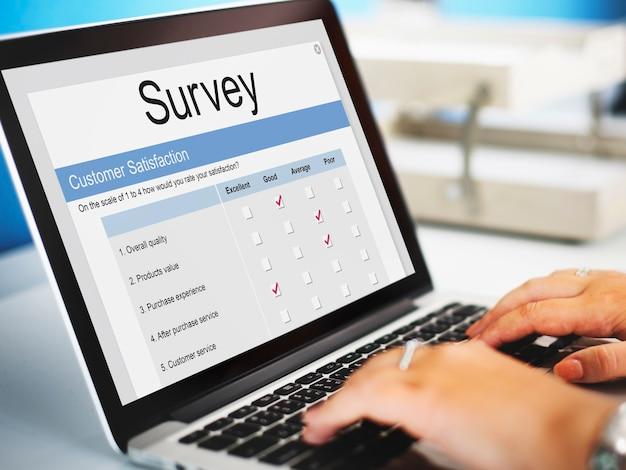 Online-umfrageformular zur kundenzufriedenheit
