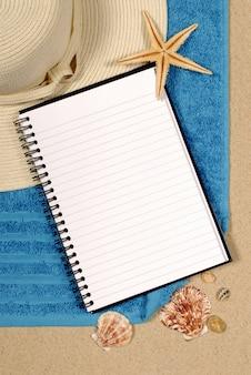 Open notebook am strand
