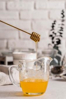 Oragnischer honig zum tee