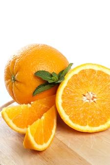 Orange auf weiß