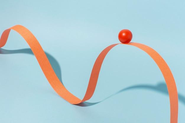 Orange band mit kugel