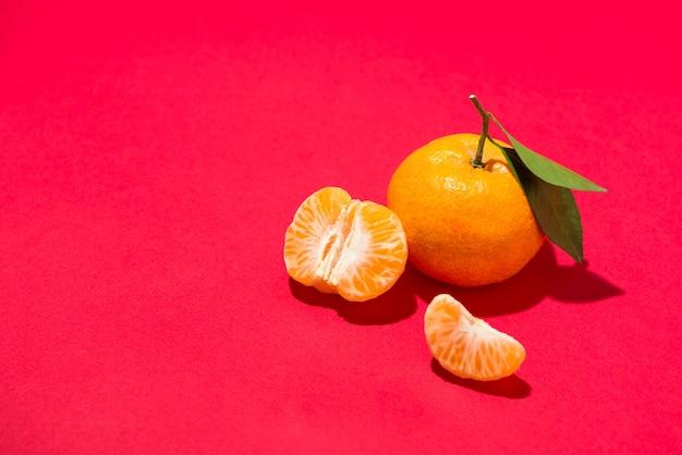 Orange für chinesisches neujahrsfest. tet-ferienkonzept.
