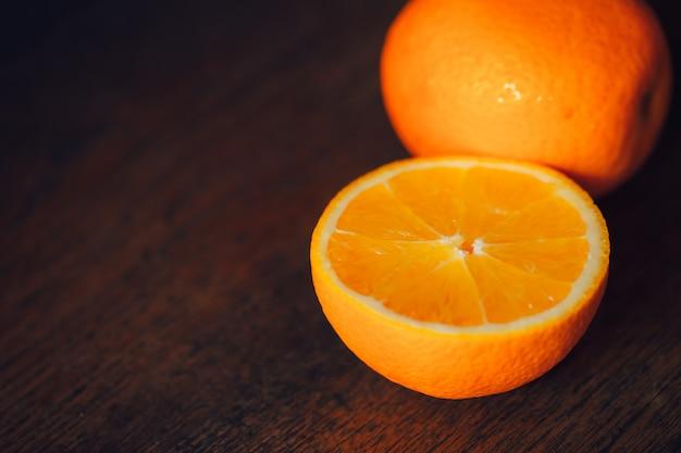 Orange in scheiben geschnitten