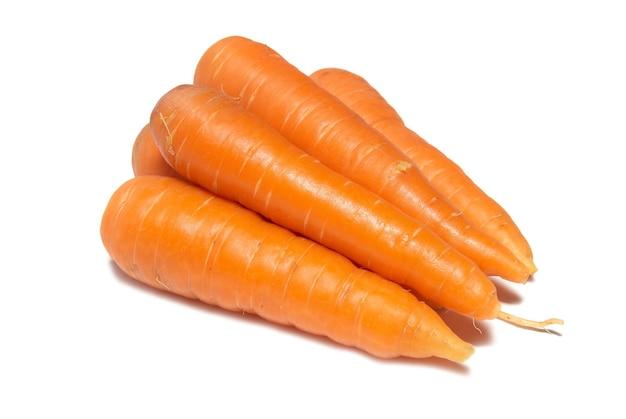 Orange karotten isoliert