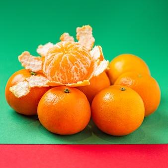 Orange mandarine frische saftige früchte clementine bereit zu essen