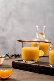 Orange smoothie-zusammensetzung der vorderansicht