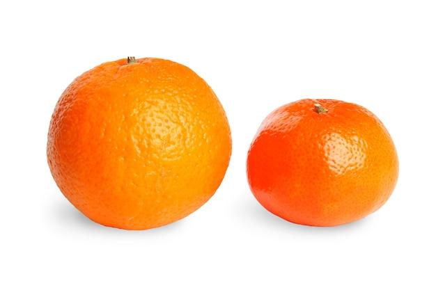 Orange und mandarine isoliert