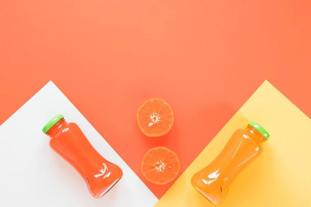 Orangen-grapefruit-smoothie auf dem tisch