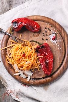 Orangen-tomaten-spaghetti