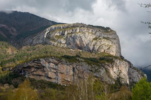 Ordesa national park im frühjahr.