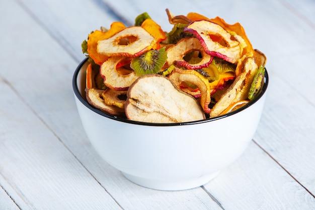 Organische gesunde sortierte trockenfruchtmischung nahaufnahme