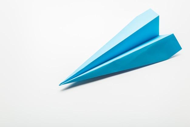 Origami papierflugzeug
