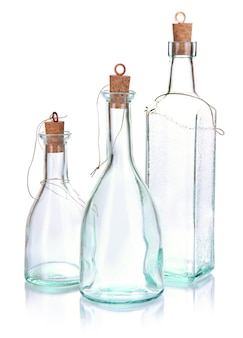 Original glasflaschen isoliert auf weiß Premium Fotos