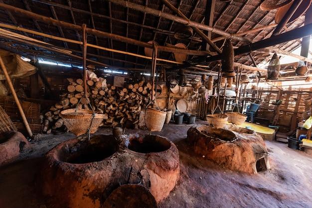 Ort und material für die herstellung von ancient rack salt in thailand