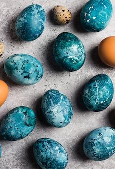 Ostereier eigenhändig gemalt im blau