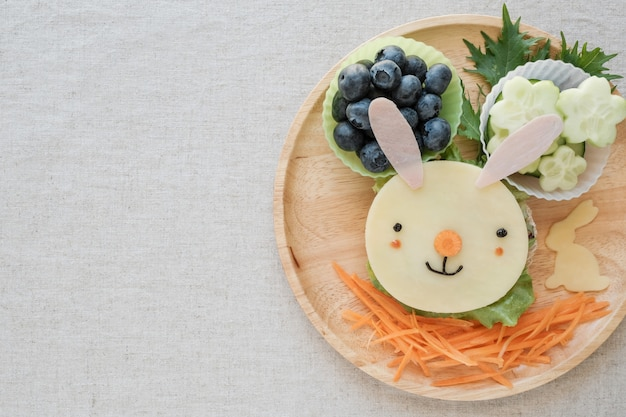 Osterhasen-mittagsplatte, spaßlebensmittelkunst für kinder