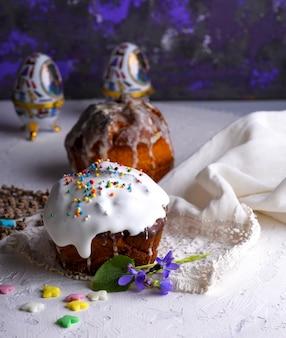 Ostern backen mit raffiniertem zuckerglasur